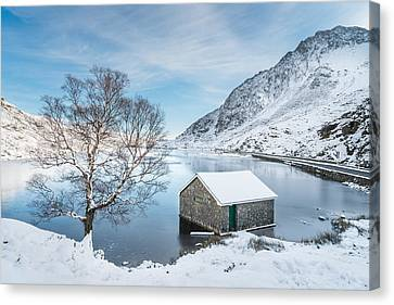 Snowfall At Llyn Ogwen Canvas Print by Christine Smart