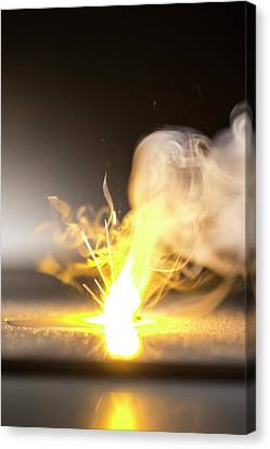 Sodium Burning In Water Canvas Print by Science Photo Library