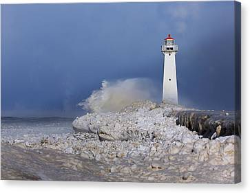 Sodus Bay Lighthouse Canvas Print by Everet Regal