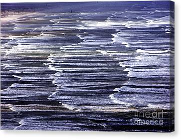 South African Indian Ocean Waves Canvas Print by Howard Koby