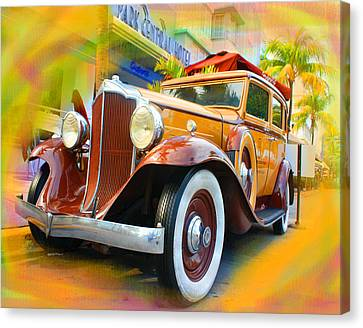 South Beach Classic Canvas Print