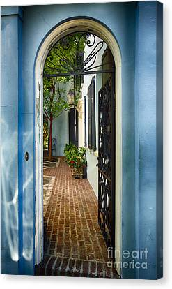 Southern Welcome In Charleston Canvas Print by George Oze