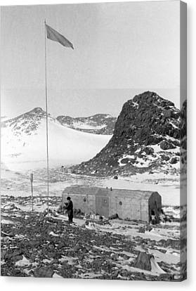 Soviet 'oasis' Antarctic Station, 1958 Canvas Print by Science Photo Library