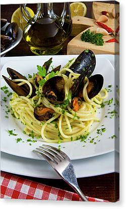Spaghetti With Mussels (mytilus Canvas Print by Nico Tondini