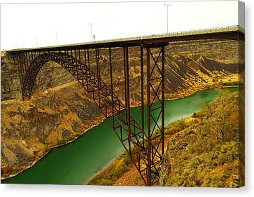 Spanning The Snake River At Twin Fall  Canvas Print by Jeff Swan