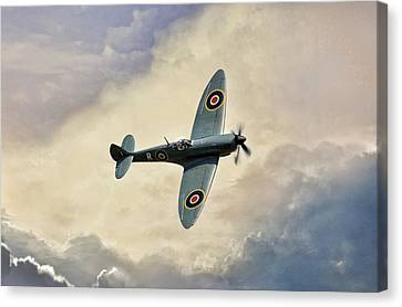 Spitfire Lf Mk Canvas Print by Peter Chilelli