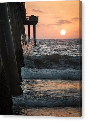 Canvas Print featuring the photograph Splash by Kevin Bergen