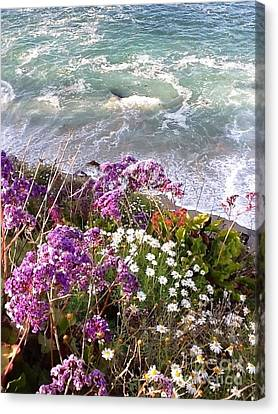 Canvas Print featuring the photograph Spring Greets Waves by Susan Garren