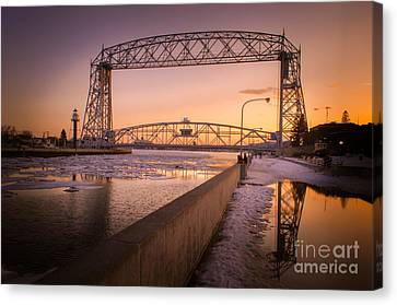 Spring Sunset In Canal Park Canvas Print