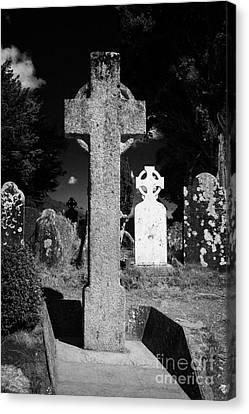 St Kevins High Cross Celtic Grave Stone In Cemetary Graveyard Glendalough Monastic Site Canvas Print