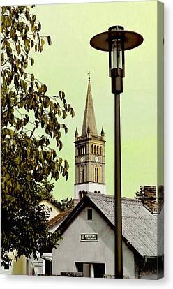 St. Nicholas Church / St. Nicolai Kirche  Canvas Print by Gynt