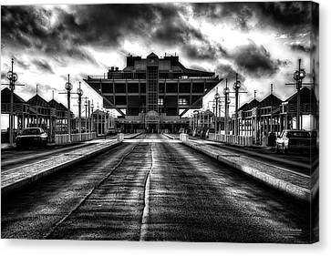 St Petersburg Pier In Monochrome Hdr Canvas Print