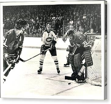 Stan Mikita In Action Canvas Print by Gianfranco Weiss