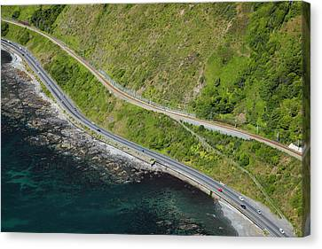 State Highway One And North Island Main Canvas Print by David Wall