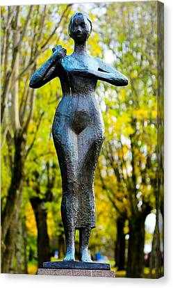 Statue Of A Woman  Canvas Print by Tommytechno Sweden