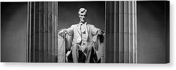 Statue Of Abraham Lincoln Canvas Print by Panoramic Images