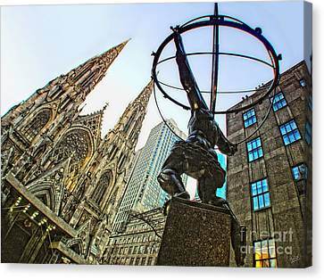 Statue Of Atlas Facing St.patrick's Cathedral Canvas Print by Nishanth Gopinathan