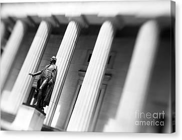 Statue Of George Washington Canvas Print by Tony Cordoza