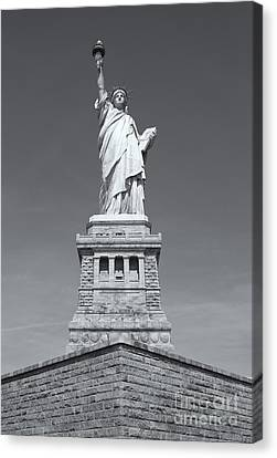 Statue Of Liberty IIi Canvas Print by Clarence Holmes