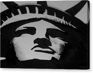 Statue Of Liberty In Black And White Canvas Print by Rob Hans