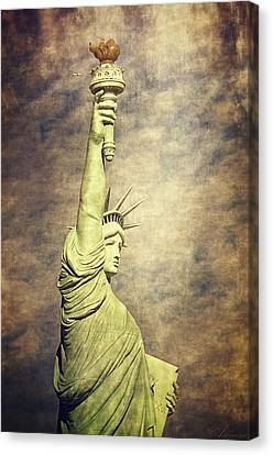 Statue Of Liberty Canvas Print by Maria Angelica Maira