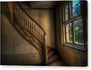 Steps In A Curve Canvas Print by Nathan Wright