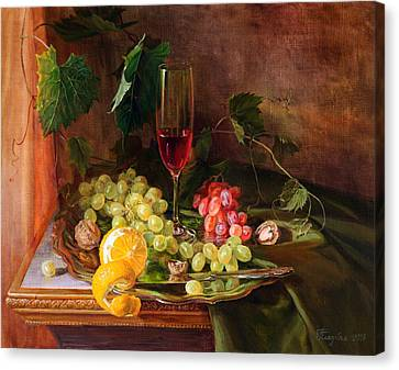 Still Life With Grapes And Grapevine Canvas Print