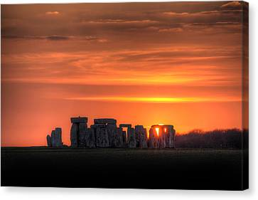 Stonehenge Sunset Canvas Print by Simon West