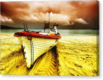 Storm On The Way 01 Canvas Print by Kevin Chippindall