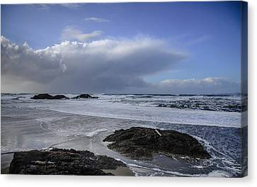Storm Rolling In Wickaninnish Beach Canvas Print