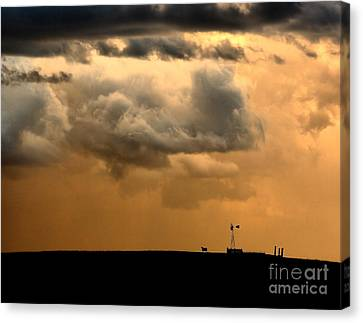 Canvas Print featuring the photograph Storm's A Brewing by Steven Reed