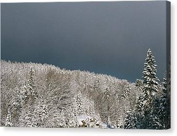 Canvas Print featuring the photograph Storm's A'brewin' by David Porteus
