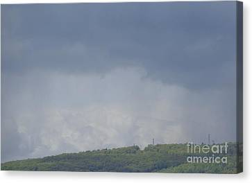 Storm's Coming  Canvas Print by Christina Verdgeline