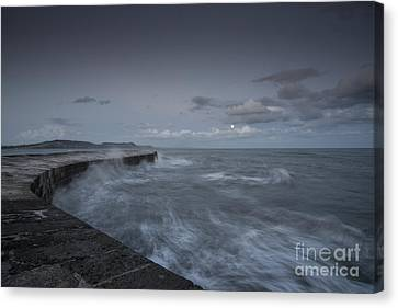 Stormy Seas At The Cobb  Canvas Print by Rob Hawkins