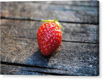 Canvas Print featuring the photograph Strawberry On Plank by Robert  Moss