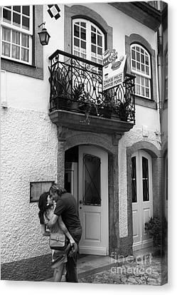 Street Romance In Portugal Canvas Print
