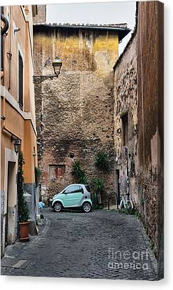 Street Scene From Trastevere District Of Rome Canvas Print