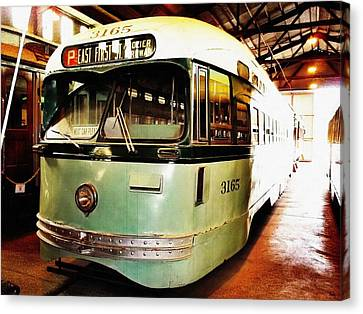 Streetcar 3165 Canvas Print by Glenn McCarthy Art and Photography