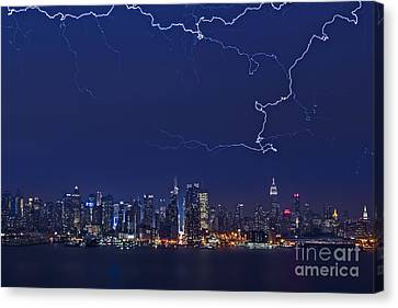 Strikes And Bolts In Nyc Canvas Print by Susan Candelario
