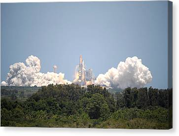 Sts-132, Space Shuttle Atlantis Launch Canvas Print by Science Source