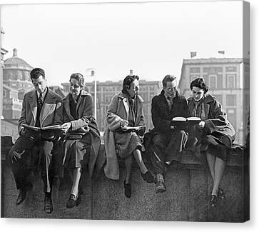 Students Study At Columbia Canvas Print by Underwood Archives