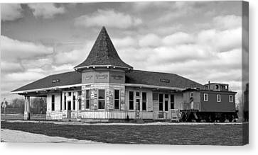 Canvas Print featuring the photograph Sturtevant Old Hiawatha Depot In Hdr by Ricky L Jones