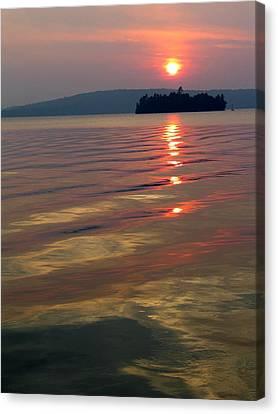 Subset At Lake Of Bays Canvas Print by Igor Baranov