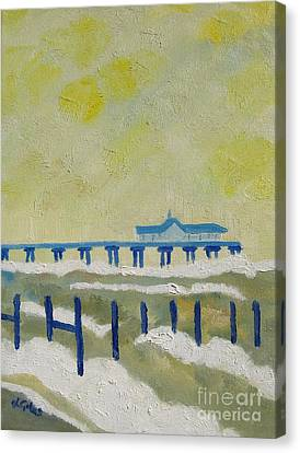 Suffolk Southwold Pier Canvas Print by Lesley Giles