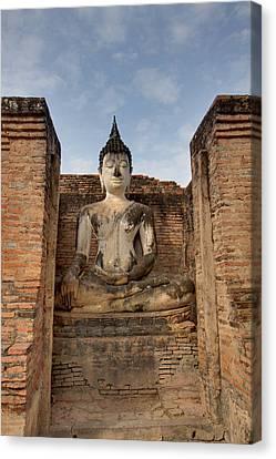 Sukhothai Historical Park - Sukhothai Thailand - 011317 Canvas Print by DC Photographer