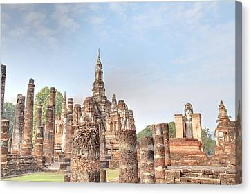 Sukhothai Historical Park - Sukhothai Thailand - 011330 Canvas Print by DC Photographer