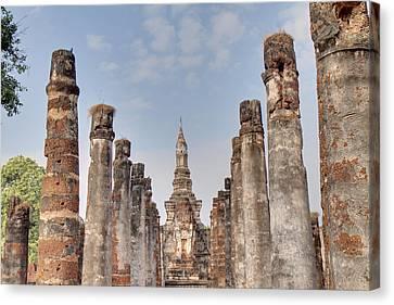 Sukhothai Historical Park - Sukhothai Thailand - 011336 Canvas Print by DC Photographer