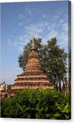 Sukhothai Historical Park - Sukhothai Thailand - 011342 Canvas Print by DC Photographer