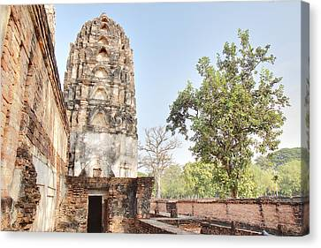 Sukhothai Historical Park - Sukhothai Thailand - 011354 Canvas Print by DC Photographer