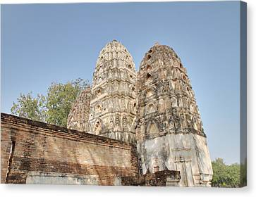 Sukhothai Historical Park - Sukhothai Thailand - 011355 Canvas Print by DC Photographer